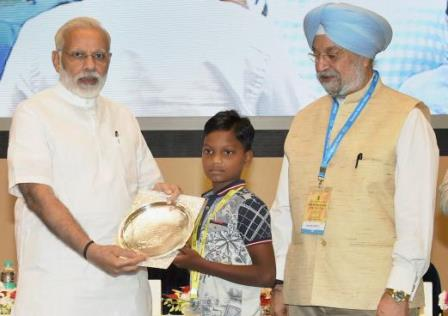 PM awards Odisha boy for painting on Swachh Bharat