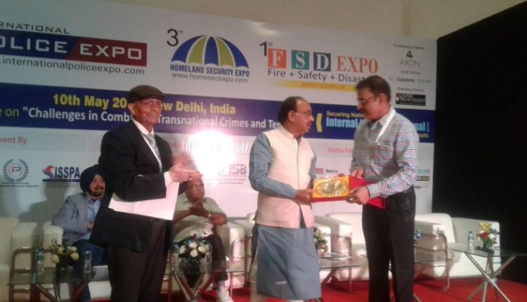 Odisha DGP RP Sharma receives Police Excellence Award