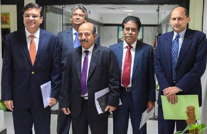 RBI eases norm for debt resolution of stressed loans