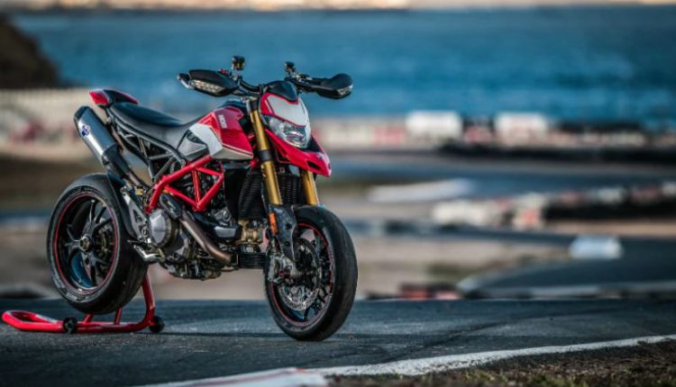 2019 Ducati Hypermotard 950 Launched In India At Rs 11.99 Lakh