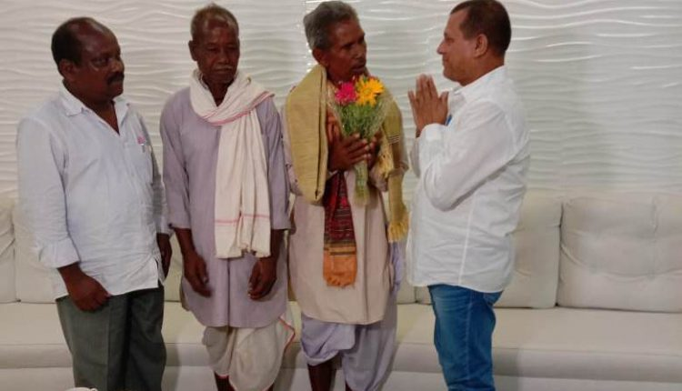Achyuta Samanta Extends Helping Hand To Canal Man Of Odisha