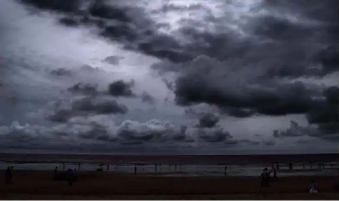 Depression in Bay of Bengal intensifies, Heavy Rainfall lashes across state