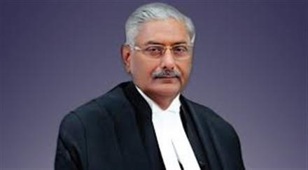 Justice Mishra to stay on bench hearing Land Acquisition Act case