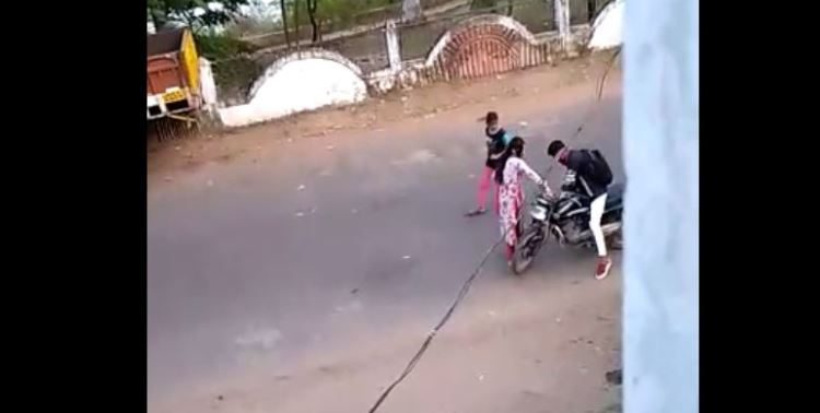 Video Of Girl Thrashing Eve Teaser Goes Viral In Odisha