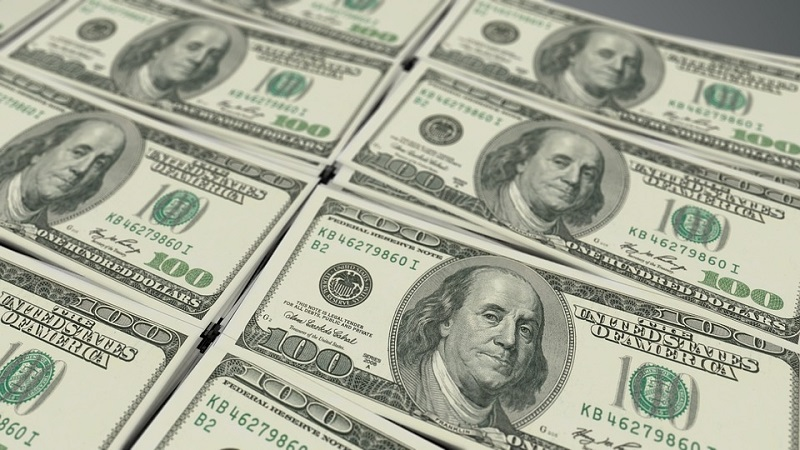 US dollar declines in global markets