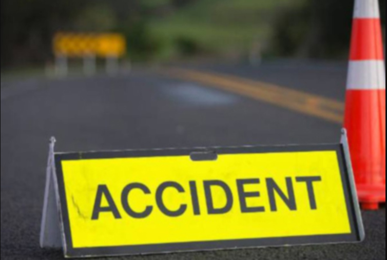Pick up van accident In Odisha's Ganjam, 3 dead and 8 critical
