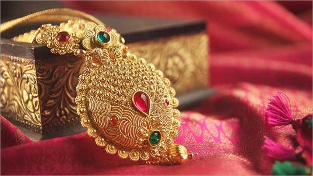 Gold jewellery