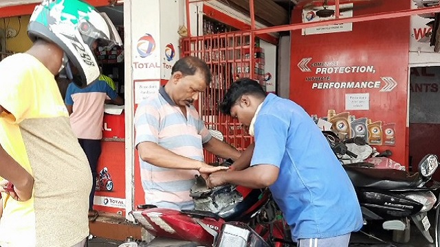 Bus owner turns garage mechanic due to COVID crisis