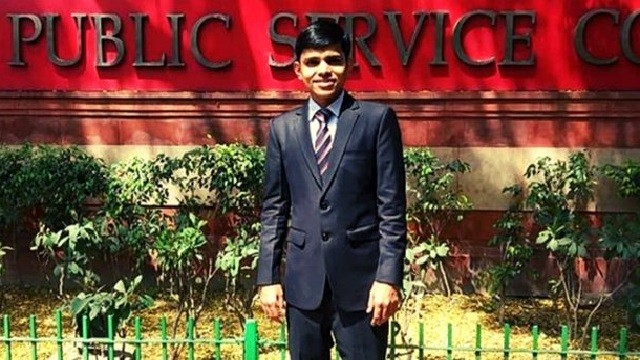 Father Sold House, Mother Pledged Jewelry But He Fought Against All Odds To Become IAS Officer