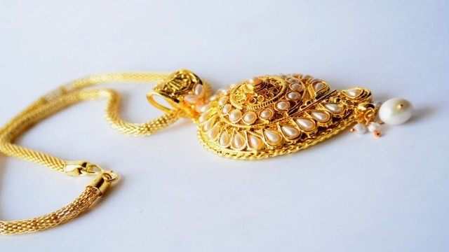 gold becomes less expensive in bhubaneswar